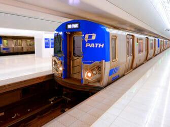 뉴욕 PATH - 열차