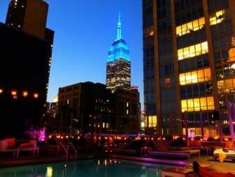 뉴욕 미드타운 밤문화 - 로얄튼 호텔