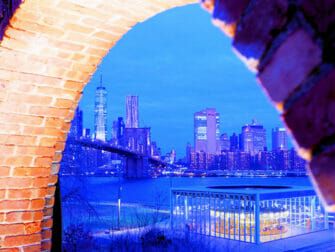 뉴욕 브루클린 브리지 파크 - 엠파이어 스토어