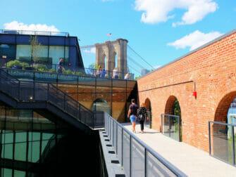 뉴욕 브루클린 브리지 파크 - 엠파이어 스토어 지붕