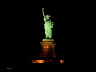 뉴욕 크리스마스 스피릿 크루즈 - 자유의 여신상