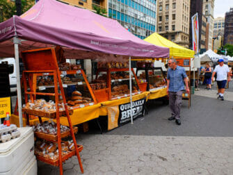 친환경 뉴욕 여행 - 유니언 스퀘어 그린마켓에서