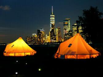 뉴욕 거버너스 아일랜드 - 야간 텐트